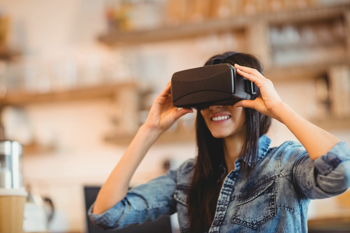 Young woman in an educational virtual reality experience